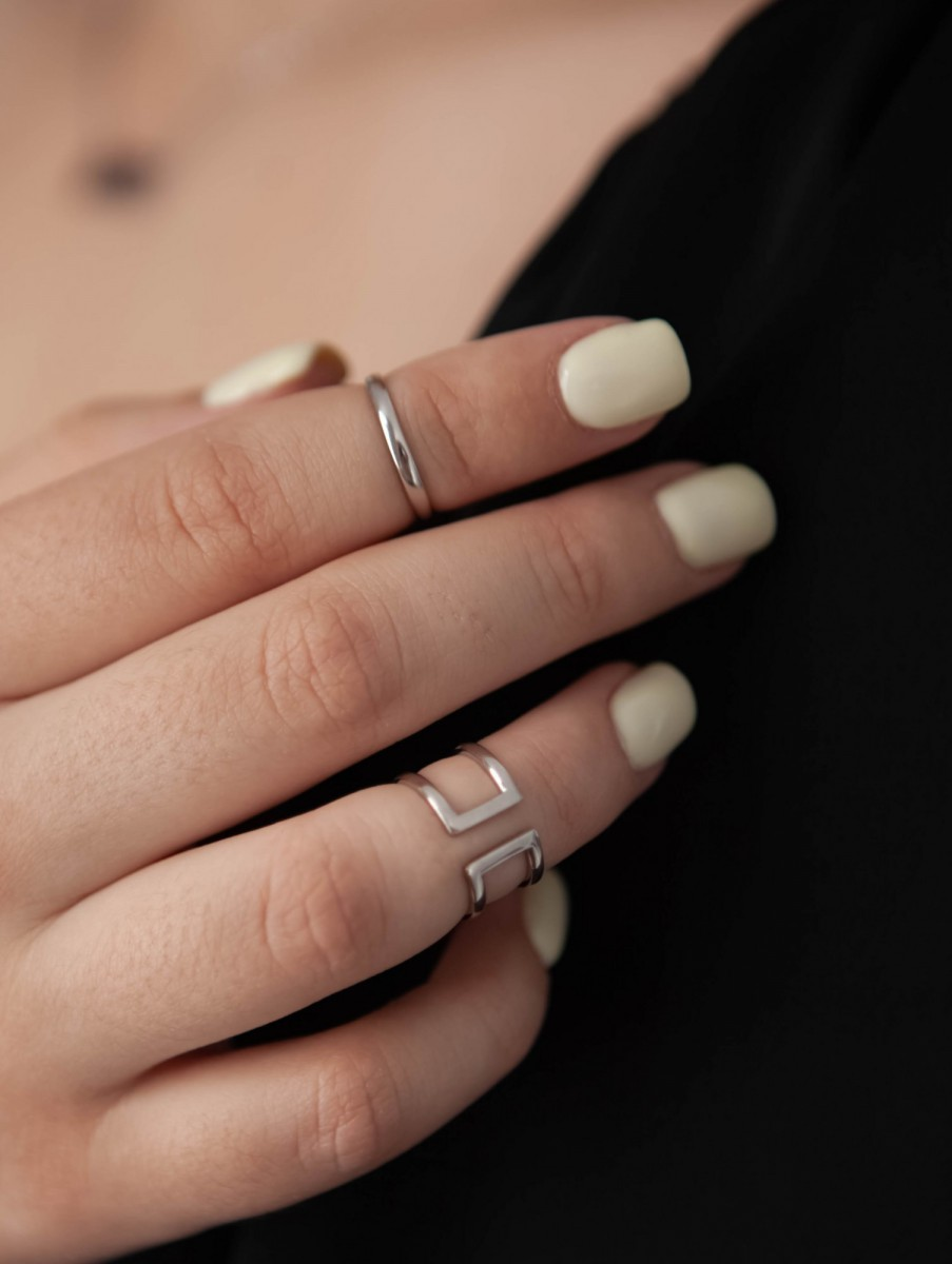 Кольцо из серебра на фалангу